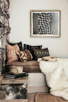 deco africaine, pierres, éléments ethniques, livre, peinture