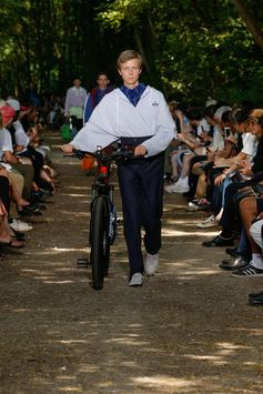 Balenciaga Men Spring Summer 18  Look 31