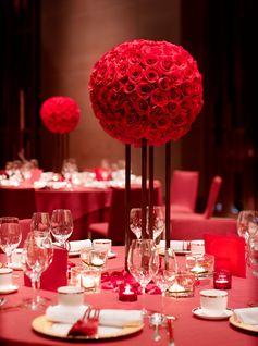 Red tabletop decor in the Grand Ballroom at Grand Hyatt Shenzhen.