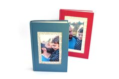 A great Father's Day gift idea for a bookworm dad. Upcycle old books by turning them into a picture frame. You can print your photos on the KODAK Picture Kiosk or with the My KODAK MOMENTS app. #fathersday