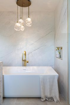 Bathroom Design Inspiration – Brass Accents Add A Glamorous Metallic Touch