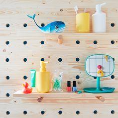 Des (grands) enfants à la maison ? Profitez d'un petit espace pour leur créer leur propre salle de bains, comme des grands !  #leroymerlin #bathroom #DIY #Hacks #interiorinspiration