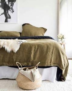 linge de lit chambre vert et blanc