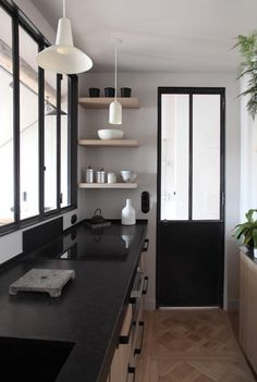 renovation industrielle d'un appartement bourgeois - cuisine verrière atelier
