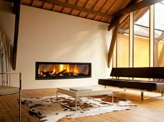 Extra large fireplace. © Focus