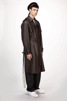 Louis Vuitton Men's Fall-Winter 2017 Collection by Kim Jones - Look 14