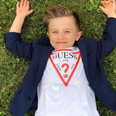Iconic for a reason! @jaan_fashion rock in' our #GUESSkids logo tee