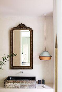 Vintage mirror. | Photo: Tommaso Riva | Story: BELLE