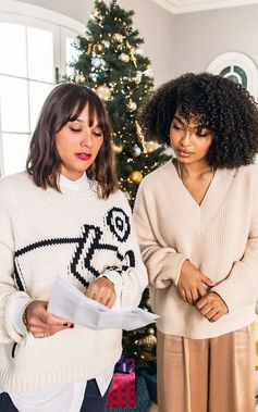 #ToryStories: That's a Wrap  Actress Yara Shahidi gets carried away by the gift-wrapping spirit in a movie written by Rashida Jones