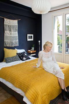 Pour la chambre de la nouvelle maison, marier le bleu avec du jaune moutarde