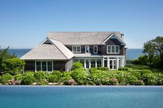 A Casual And Relaxed Vibe Has Been Created For This Hamptons House