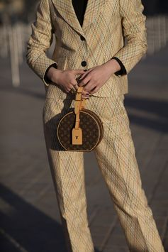 Total Louis Vuitton look from the Cruise 2018 Collection, seen at the Louis Vuitton Spring-Summer 2018 Fashion Show at Musée du Louvre, Paris.