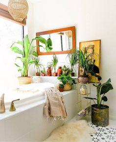 La déco boho est gaie, éclectique et dynamique. Comment inviter l'esprit bohème dans sa salle de bain et pourquoi, découvrez dans les lignes qui suivent.
