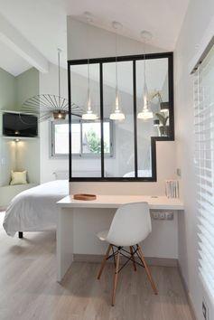 lustre design, idée déco pas cher appartement chambre à coucher chic