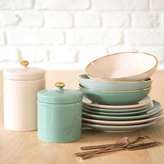 Pastel tableware and crockery for spring | GARDEN mint green faience dinner plate | Maisons du Monde