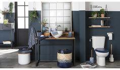 Fleur Bleue, c'est une tendance accueillante, apaisante et créative. La déco est à la fois romantique et moderne avec son style néo-brocante. Le bleu domine, décliné dans toutes ses nuances : indigo, vert, noirci, grisé, turquoise... Les textiles et la vaisselle s'habillent de motifs floraux et de petits imprimés a l'aspect handmade.