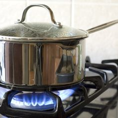 8 Kitchen Safety Tip: Make Cooking Safer