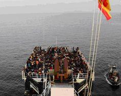 La Guardia Civil y la Guardia Costera rescatan a 523 inmigrantes cerca de la costa de Líbia Segurpricat : #OperaciónTritón es la misión coordinada por #Frontex | European #UnionEuropea… http://wp.me/p2n0O4-39T vía @segurpricat