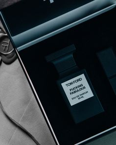 Discover Beauty gift sets for her and him. #TOMFORD #TFGIFTS