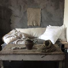 Table basse en bois brut - la beauté des choses imparfaites