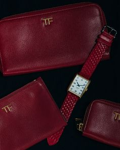 Discover TOM FORD small leather goods and timepieces – the perfect gifts for her. #TOMFORD #TFGIFTS