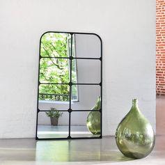 Miroir fenêtre portrait en métal noir decoclico Factory