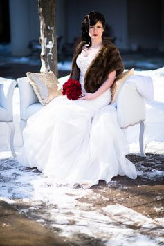 Bride in winter | Glamorous Winter Wedding | WPIC Inc. | Ultimate Wedding Magazine