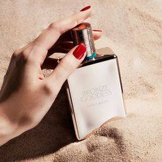 Our cult-favorite Bronze Goddess fragrance has long been hailed as summer in a bottle. The original Eau Fraîche is a sun-drenched blend of bergamot, warm amber, tiare flower and vanilla, wrapped in creamy coconut.
