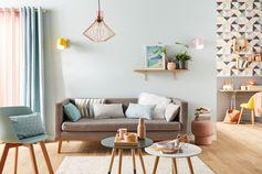 Et si vous mettiez un peu de douceur dans la décoration ? Teintes pastel, motifs géométriques et touches de cuivre : la tendance Pastel Scandinave va adoucir votre intérieur !