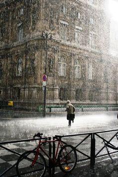 あ~~、ひどい天気だよね!