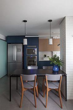 12-cozinha-cinza-e-azul-com-subway-tile