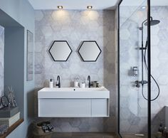 Il devient urgent de vous détendre ? Profitez d'une salle de bains spacieuse, doublement équipée d'une douche et d'un bain balnéo. Et surtout... Prenez votre temps ! #leroymerlin #bathroom #trends