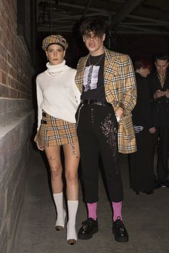 #Halsey and #YungBlud wears #Burberry to the #VivienneWestwoodandBurberry party in London