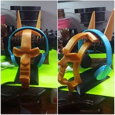 3D printed batman headphone stand (and 3D printed headphones) by Chris Martin #practical #prusai3