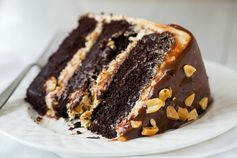 If snickers bars are your favorite candy, this is your new favorite cake!