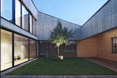 Central courtyard design in Austria | Designhunter - architecture & design blog