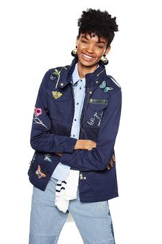 Blue military jacket with embroidery, a salute to one of our historic icons. Comfy, casual and feminine. Discover our Desigual jacket on our website.