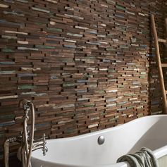 Zoom sur la plaquette de parement en bois recyclé Gipsy. #mur #homedecor #ideedeco