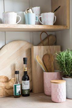 Kitchen Inspiration | Scandi Kitchen | Pink | Blue | Pastel | Chopping Board | Design | Plant | Pink Mug | Pink and Gold | House Plant | Pastels | Kitchen Design | Kitchens | Scandi Style |