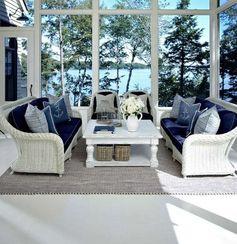 aménagement de terrasse et intérieur avec décor marin