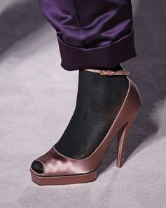 A detailed look at the shoes from the TOM FORD AW19 Runway.  #TOMFORD #TOMFORDAW19 #NYFW