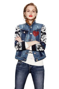 In love with denim? Women's denim jacket with deconstructed design and contrasting details. Floral knit sleeves with glitter effect.Find it on Desigual website.