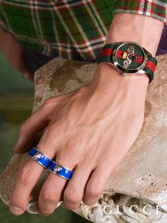 Colorful details and signature House motifs embellish the new collection of Gucci Timepieces by Alessandro Michele.