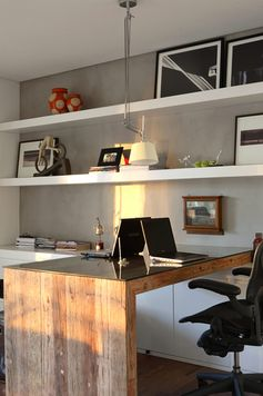 Dividir o home office com alguém pode ser um desafio. Como quase todo mundo tem esse espaço em casa, fizemos uma seleção de 15 home offices para casal
