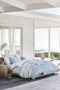 parure de lit bayadere à rayures blanches et bleues pour le printemps par H&M Home
