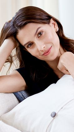 """""""Wellness expert and mom of 3 (soon to be 4!)  Hilaria Baldwin shares the beauty tricks that  take her through nonstop days. Click here to watch more! """""""