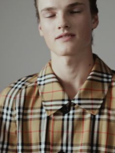 Blurred lines and Vintage check. The new Burberry September collection.