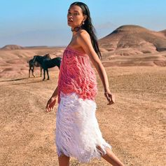 Fringing it in the desert. The #FerragamoSS18 pink and white fringe dress, ready for Coachella, on the pages of #Elle #Ferragamo #FerragamoFolio