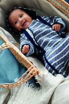 Adorable baby styles from Conscious. A timeless collection where quality finishes meet stripes and neutral colors. And made from organic cotton! | H&M Kids