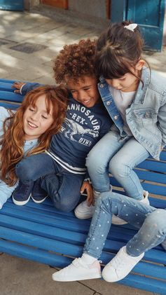 Fun days call for fun (and durable) garments. Our new denim collection for kids includes loads of play-friendly options! | H&M Denim